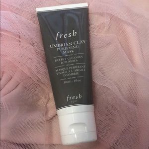 Brand new Fresh umbrian clay mask
